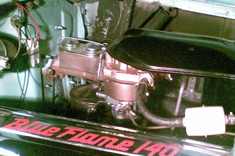 Neuer Rochester Vergaser für den Blue-Flame Six des Chevy 57