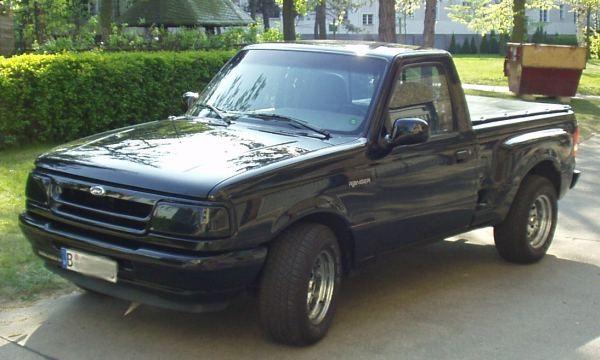 Kleines Spielzeug für Ford Club Treffen oder für´s US-Car Meeting: Schwarze Scheinwerfer-Abdeckung für den Ranger Splash.