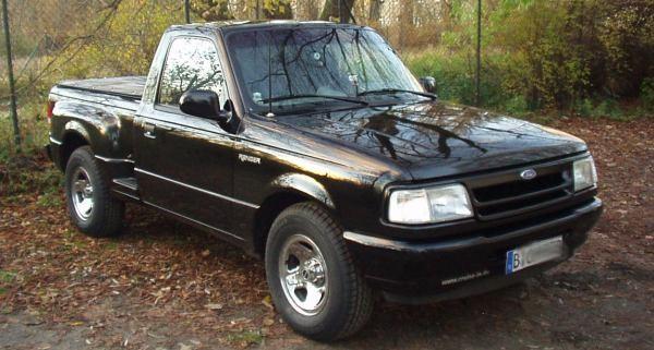 Ford Ranger Splash mit Serienfelge und 30er Reifen